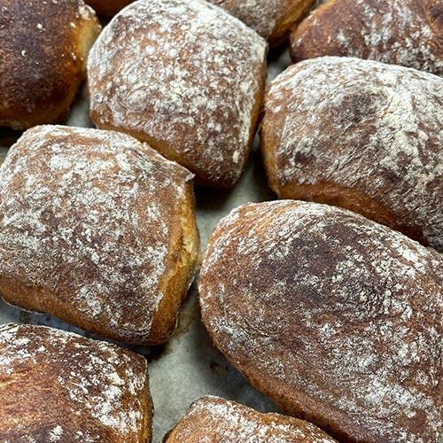 koldhævede surdejsstykker - Mortens Gastronomi